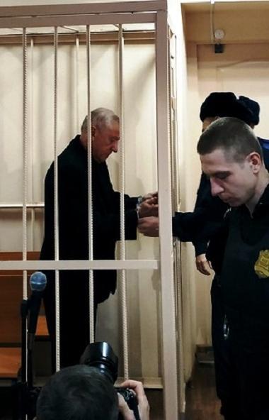 Сегодня, 12 декабря, суд Центрального района Челябинска избрал меру пресечения в отношении бывшег