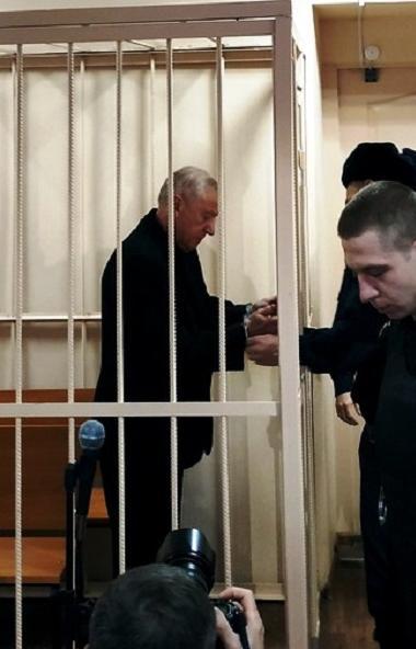 Следствие вышло с ходатайством в суд для продления меры пресечения в виде домашнего ареста для бы