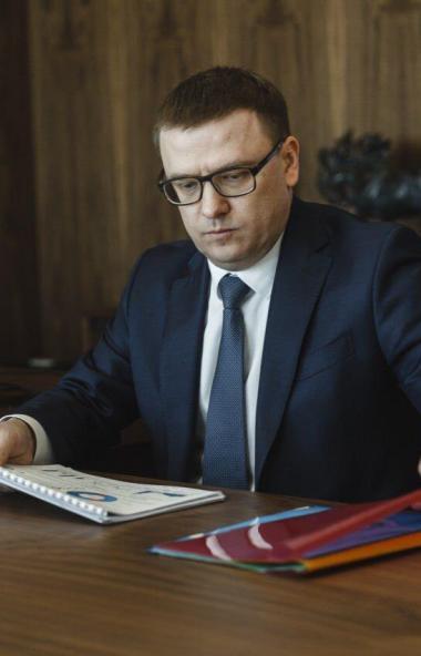 Губернатор Челябинской области Алексей Текслер поручил своим замам, министрам и главам провести р