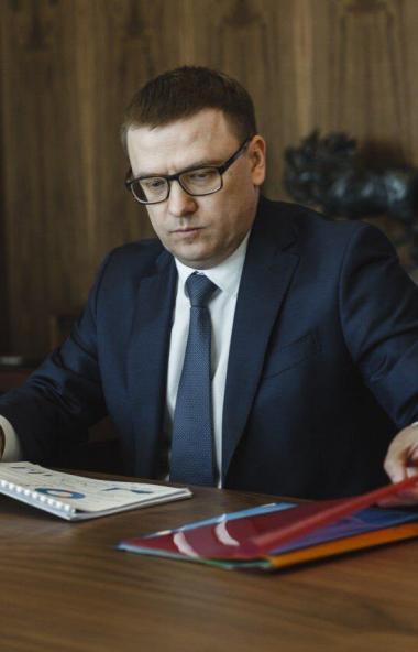 Губернатор Челябинской области Алексей Текслер внес новую кандидатуру на вакантн