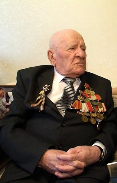 Губернатор Челябинской области Алексей Текслер рассказал, как намерен поздравить своего деда-фрон