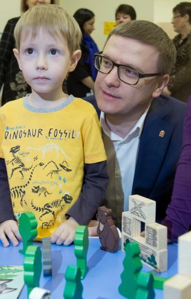 Детские сады в Челябинской области пока продолжат работу в режиме дежурных групп.  «Детс