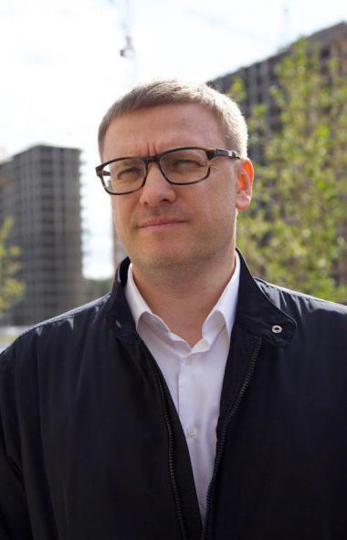 Губернатор Челябинской области Алексей Текслер предложил строить служебное жилье