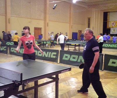 Турнир проходил в Челябинске в ДК «Восток» и собрал теннисистов-любителей и профессионалов со все