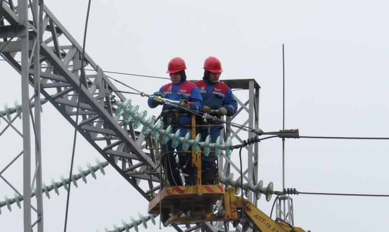 В поселке Маяк Брединского района (Челябинская область) повысили надежность электроснабжения сете