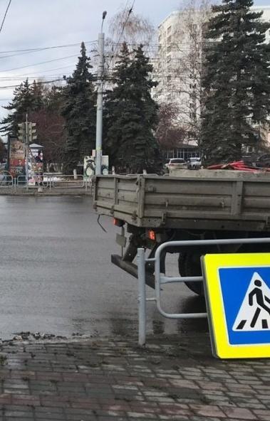 В Челябинске работы по переносу светофоров на перекресток проспекта Ленина-улицы Энгельса заверша