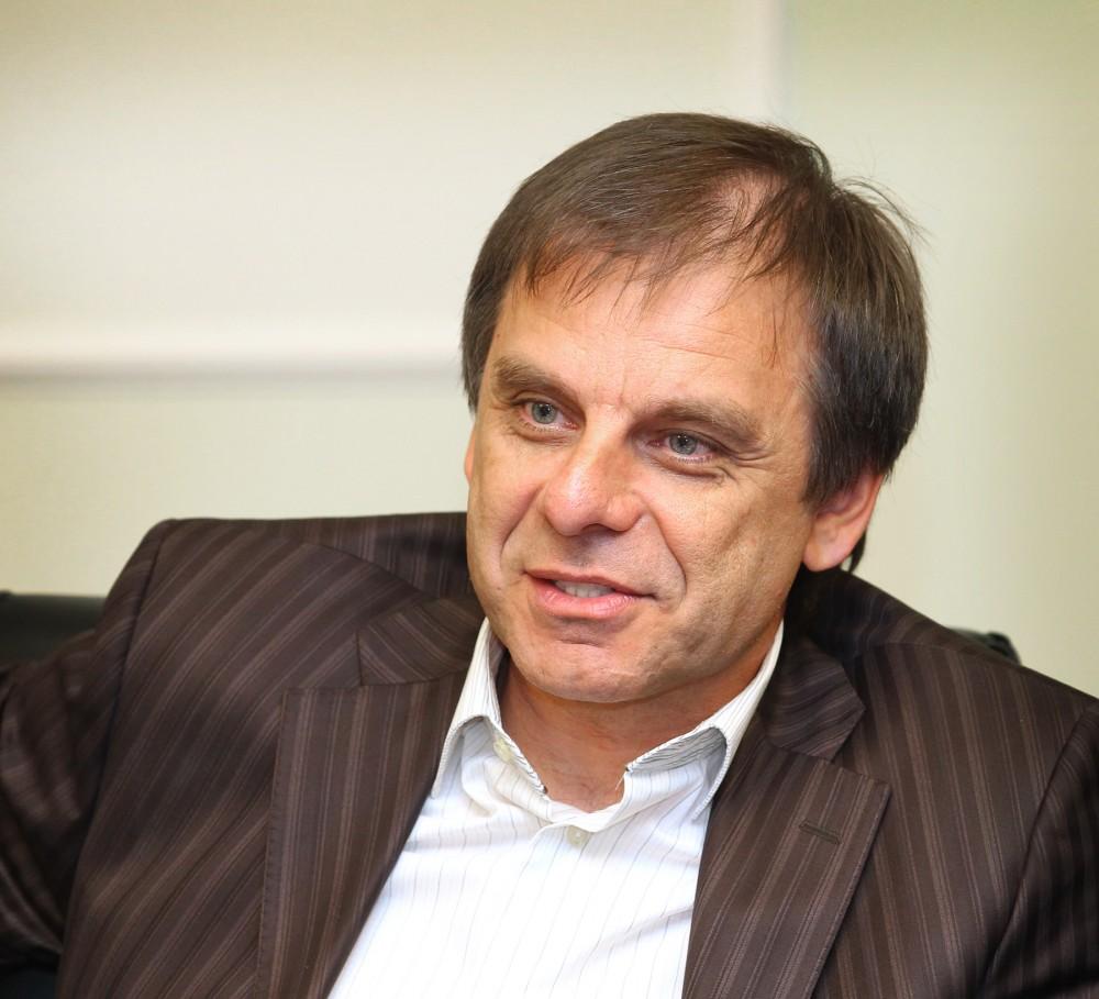 «Я поддерживаю решение главы региона участвовать в выборах. То, что он является беспартийным, тол