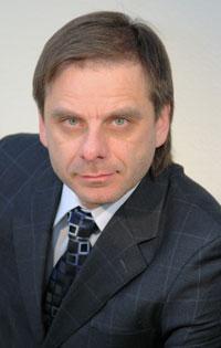 Андрей Ткаченко не пустил беременную женщину в лифт, посоветовав в грубой форме подняться ей на т