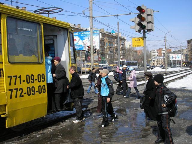 По решению главы Администрации Сергея Давыдова в день выборов депутатов Государственной Думы шест