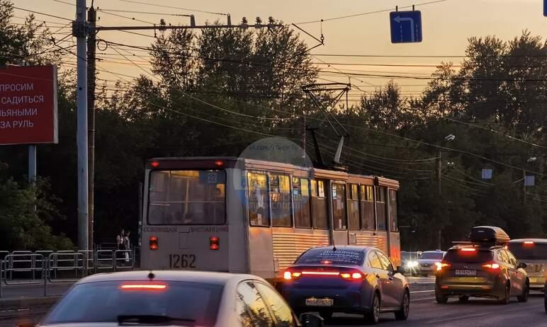 В Челябинске в связи с ремонтом трамвайных переездов на перекрестке улиц Свободы и Карла Маркса и