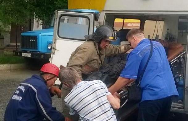 Инцидент произошел днем 28 мая в колодце рядом с домом №77 по улице Ленина. «В