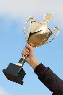 В десятку лучших представителей олимпийских видов спорта попали чемпион мира по гребле на байдарк