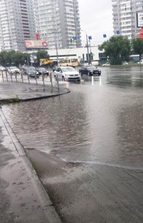 Активисты ОНФ назвали улицы Челябинска, где из-за неисправной ливневой канализации постоянно прои