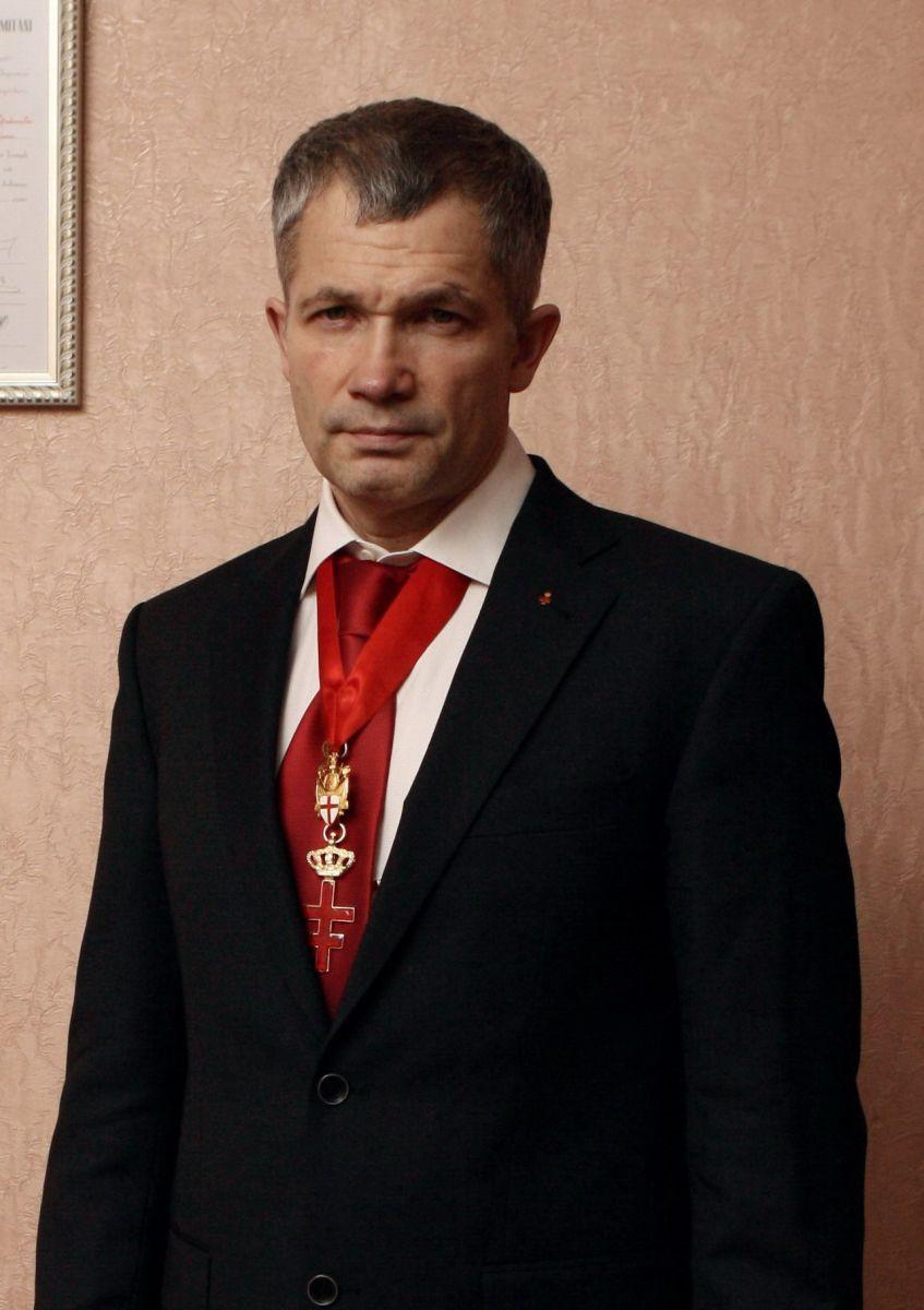 По информации Челябинского политолога Александра Подопригоры, член Ордена Тамплиеров, активно уча