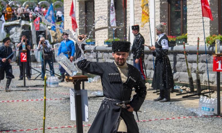 Жителей Челябинской области приглашают к участию в фестивале казачьей культуры «Злата горка». При