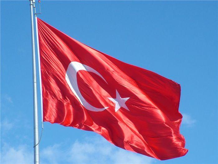 По данным РБК, первый взрыв прогремел в среду около полицейского участка в турецкой провинции Ван