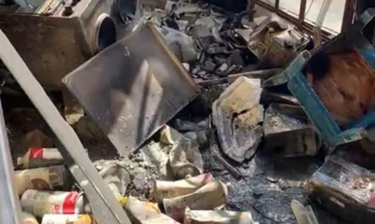 В распоряжении агентства «Урал-пресс-информ» оказалось видео из сгоревшей квартиры на 13-ом этаже