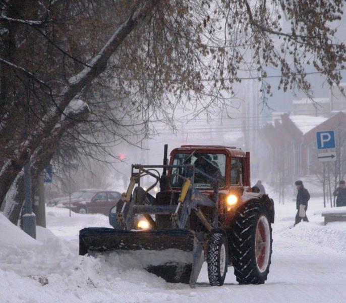 Как уточнили в Челябинском Гидрометцентра, минувшей ночью по всей территории региона прошел снег,