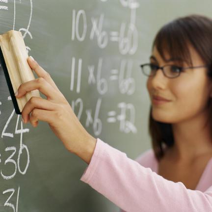 По всей стране были опрошены около 50 тысяч студентов начальных курсов в вузах естественно-научно