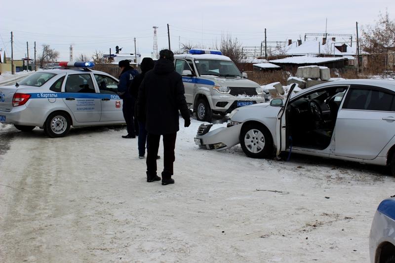 В Карталах (Челябинская область) сотрудникам ГИБДД пришлось применить табельное оружие для того,