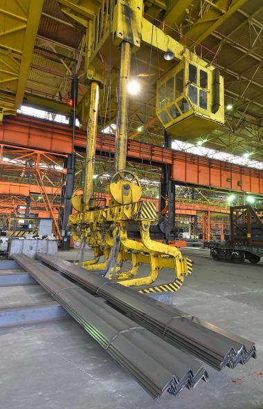 Челябинский металлургический комбинат (ПАО «ЧМК», входит в Группу «Мечел») приступил к выпу