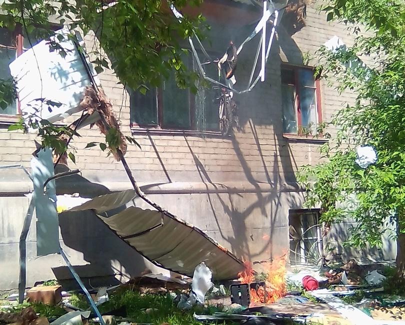 Женщина с ребенком, пострадавшие из-за взрыва газа в жилом доме Челябинска, находятся в ожоговом