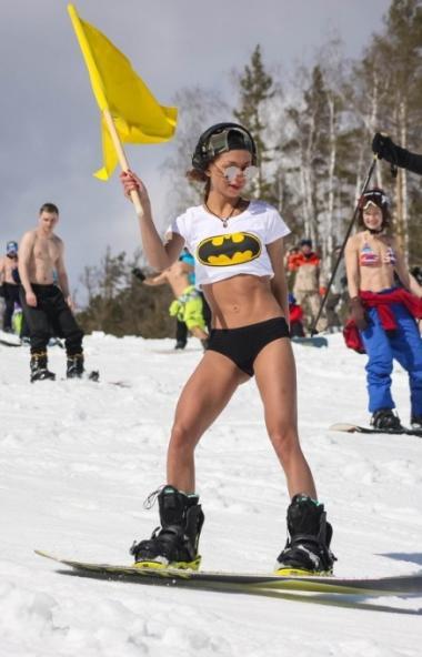 Расположенный под городом Миасс Челябинской области курорт «Солнечная долина» уже девятого ноября