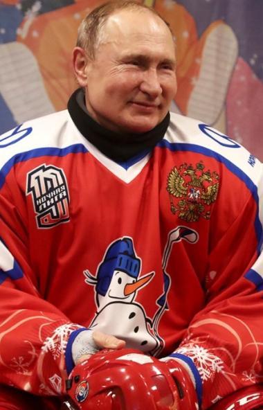 Глава государства Владимир Путин удивил россиян подробностями своей личной жизни.  Накан