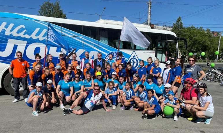 В Миассе (Челябинская область) состоялся большой благотворительный велопробег, организованный в р
