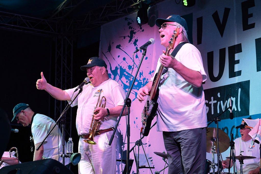 В ходе поездки «Уральский диксиленд» принял участие в международном джазовом фестивале «Live in B