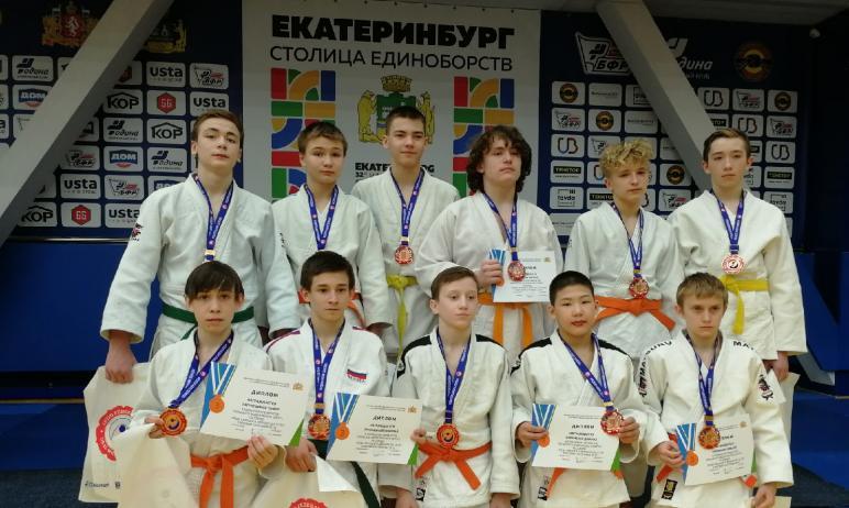 Дзюдоисты Челябинской области выиграли 19 медалей в Екатеринбурге (Свердловская область) на