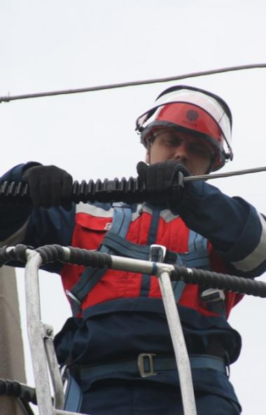 В Челябинской области полностью восстановлено электроснабжение потребителей, прерванное ударом ст