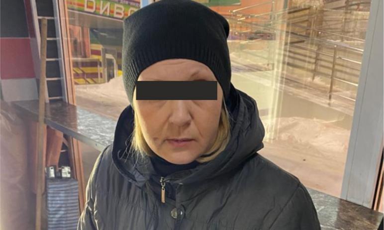В Челябинске женщина едва не разгромила павильон «Шаурма». Она купила фастфуд, но осталась недово