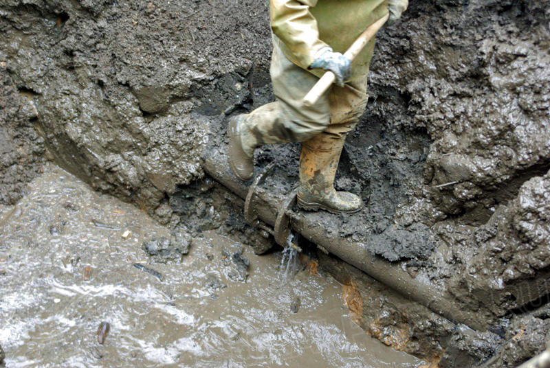В МУП «Челябинские коммунальные тепловые сети» (ЧКТС) утверждают, что окрашивание воды производит