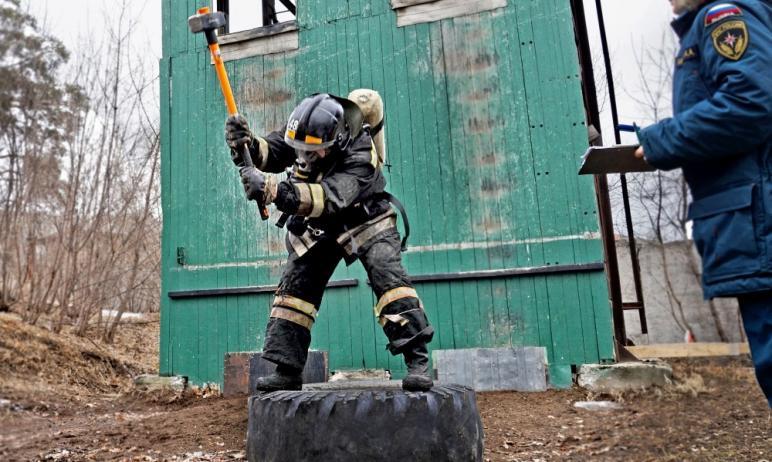 В Миассе (Челябинская область) завершились соревнования по пожарно-спасательному кроссфиту. Прове