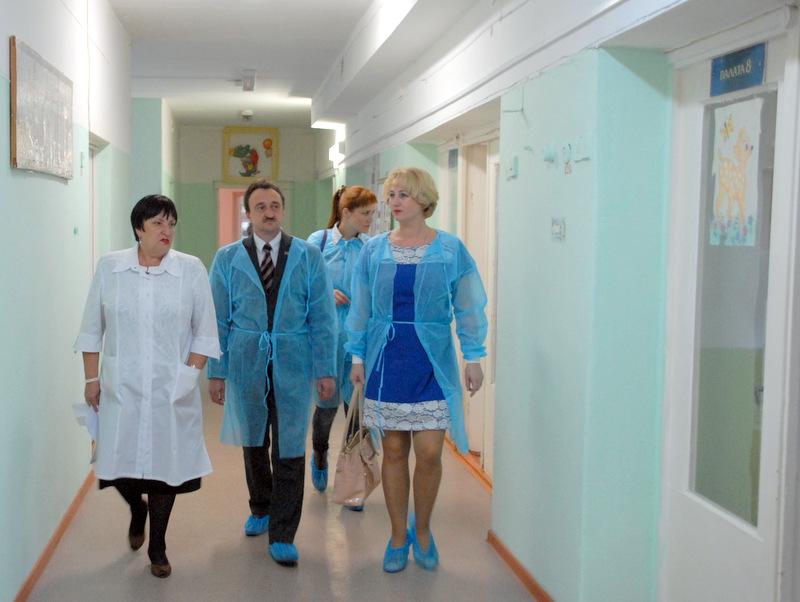 Как сообщает пресс-служба завода, главный врач больницы Наталья Ахтарьянова обратилась к генераль