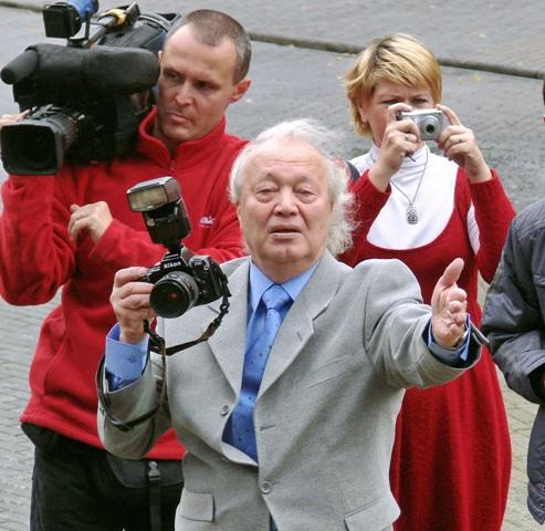 Сегодня он является президентом самого старого в России народного коллектива «Челябинский фотокл