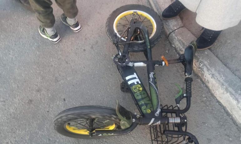 В Калининском районе Челябинска неизвестный водитель на автомобиле Nissan сбил шестилетнего ребен