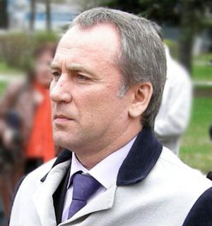Виктор Кадылкин - уроженец Миасса. В 1988 году окончил Челябинский политехнический институт по сп