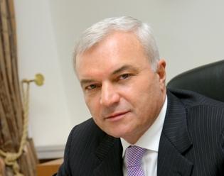 Открывая заседание, ректор МГТУ Валерий Колокольцев вкратце рассказал о задачах, стоящих перед с