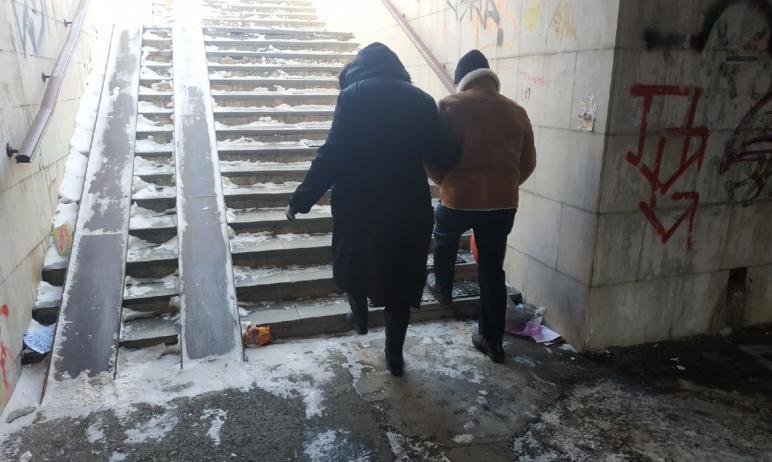 Арендатор снова превратил «подземелье» на проспекте Ленина в Челябинске (остановка общественного
