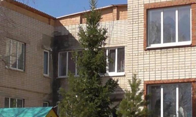В детском саду села Кизильское (Челябинская область) установили глухие окна, которые нельзя откры