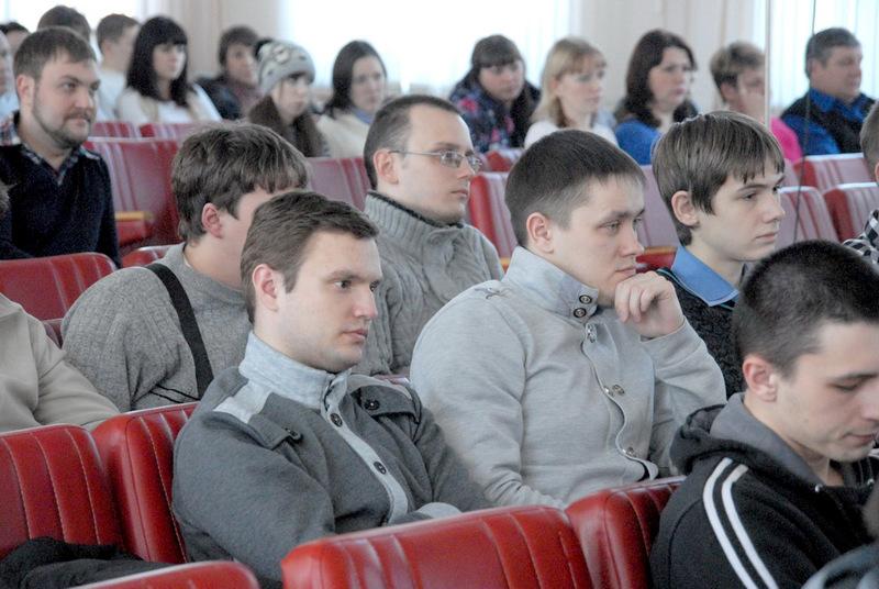 Как сообщили агентству «Урал-пресс-информ» в пресс-службе АО «Златмаш», совет работающей молодежи