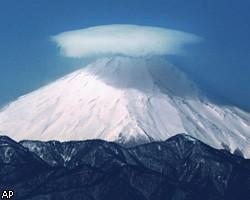 Вообще вулкан Фудзияма считается слабоактивным – последнее извержение было зафиксировано в XVIII