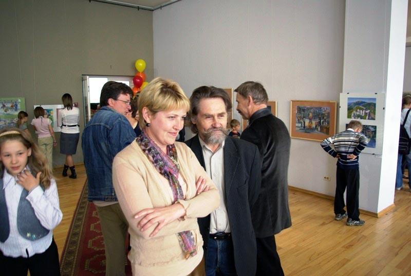 Как сообщают агентству «Урал-пресс-информ» кураторы выставки, в нее вошли произведения из собрани