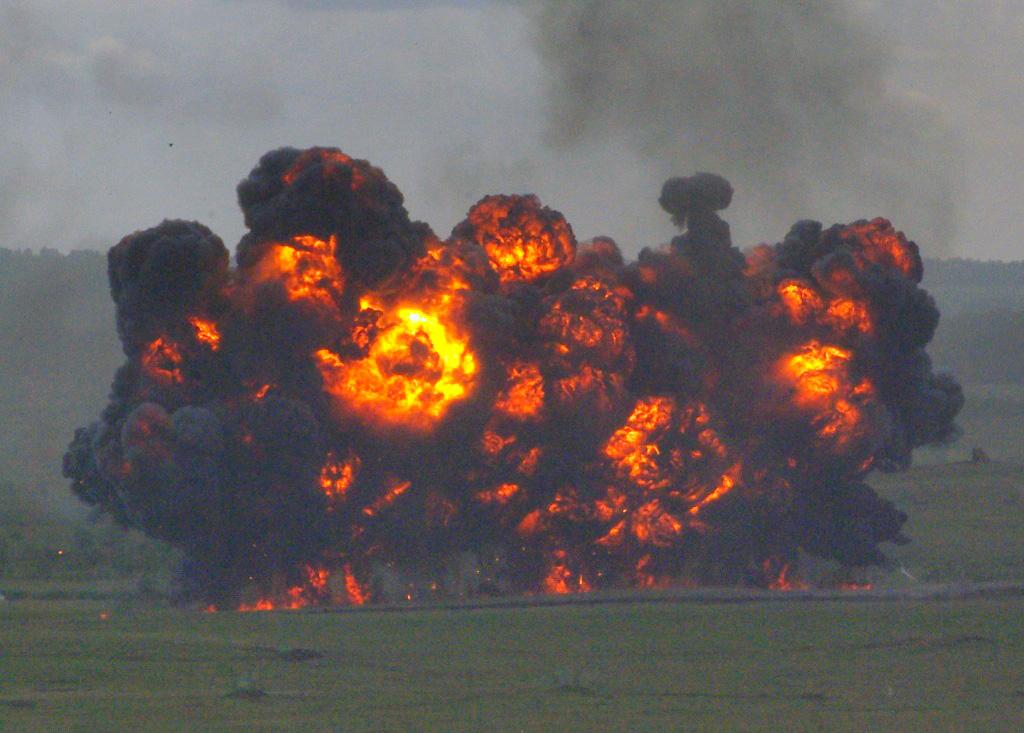 С 2010 года жителей Челябинской области беспокоят мощные взрывы на Чебаркульском полигоне, в ходе