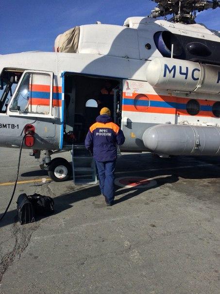 Сегодня Лия и Чингиз Рамазановы были доставлены на двух реанимобилях в Уфу, где их ждал вертолет