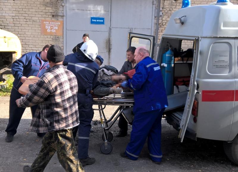 Инцидент произошел 12 октября. Группа рабочих производила демонтаж оборудования. В результате пр