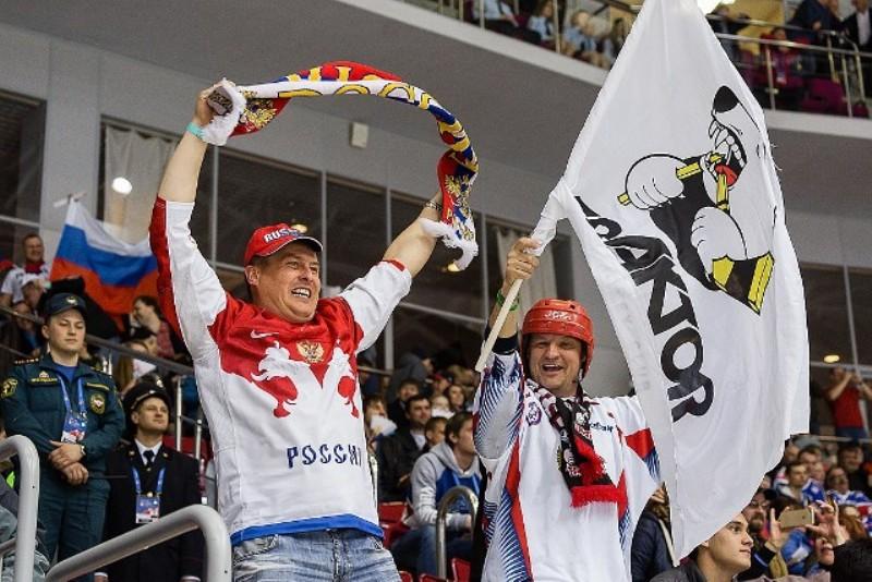 Чемпионат мира по хоккею среди юниоров до 18 лет стартовал в Челябинске.