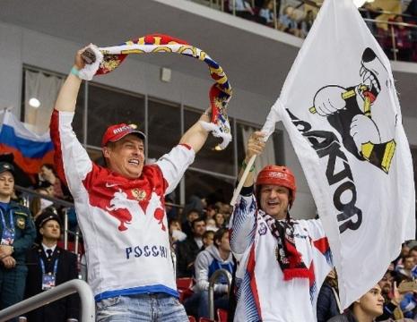 Челябинский «Трактор» призвал всех болельщиков использовать российскую символику на матче со сбор